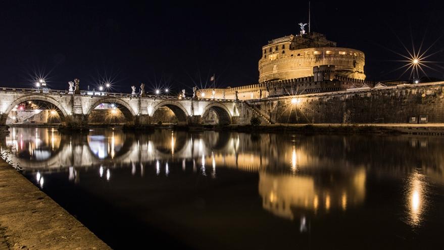 castello-sant-angelo-noche