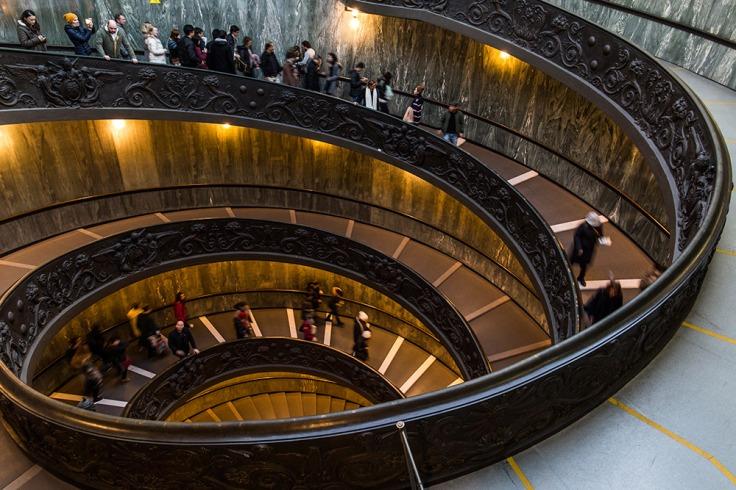 escalera-museo-del-vaticano