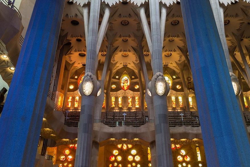 Sagrada-Familia-Interior-12